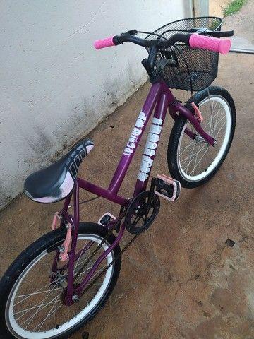 Bicicleta Aro 20 com cestinha  - Foto 3