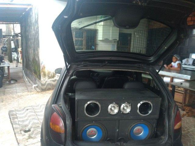 Vende-se caixa de som com 2 forças ctt *