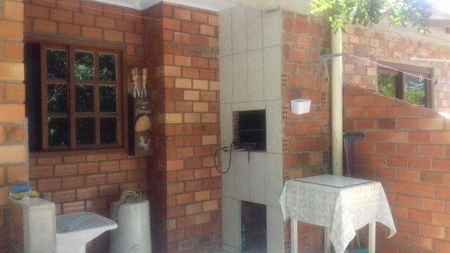 Aluga-se casa para veraneio em Arambaré 01 quadra da praia - Foto 9