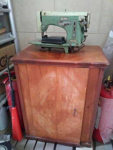Maquina de Costura com Mesa Original - Foto 2