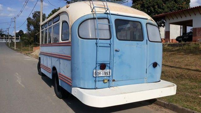 Ônibus antigo Jardineira Chevrolet 1957 - Foto 4