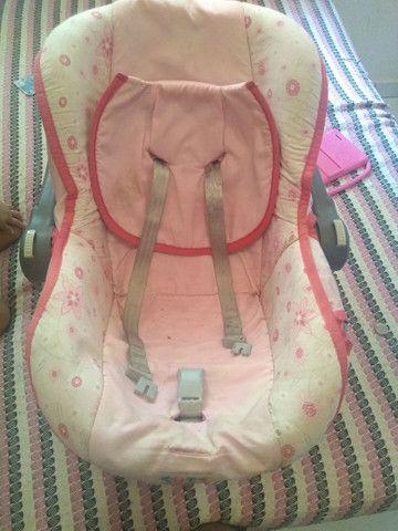 Vendo bebê conforto e tablet 300 reais tudo