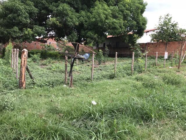 Vende-se terreno no bairro todos os Santos