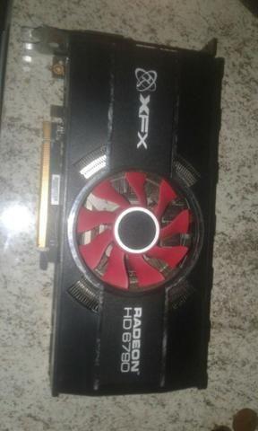 Placa de video XFX Radeon HD 6790 1 GB 256 bits