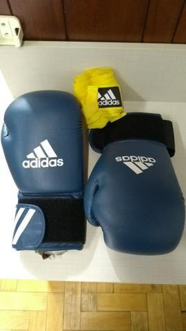 Luvas de Boxe/Muay Thai 16oz Adidas