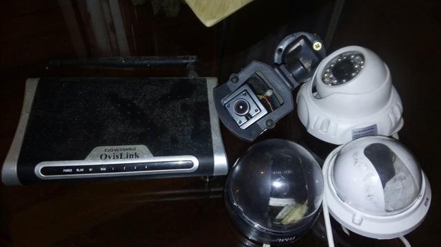 Kit com 4 câmeras + roteador + estabilizador