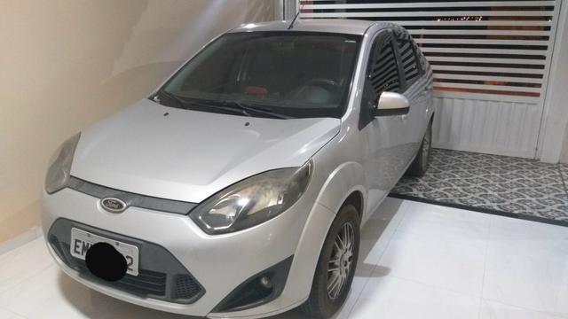 Fiesta sedan, completo sem detalhes pra fazer é pegar e rodar