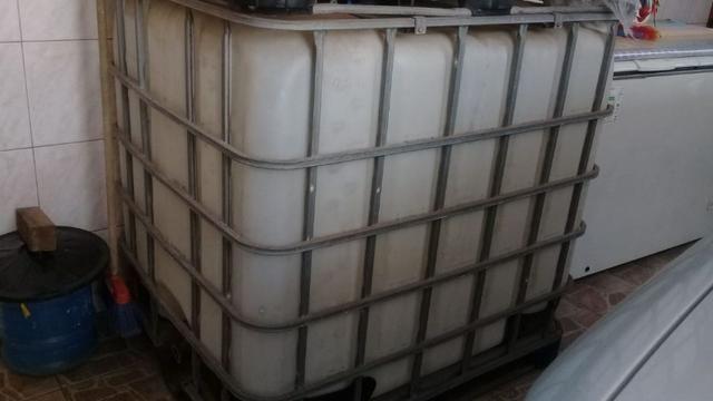 Reservatório container