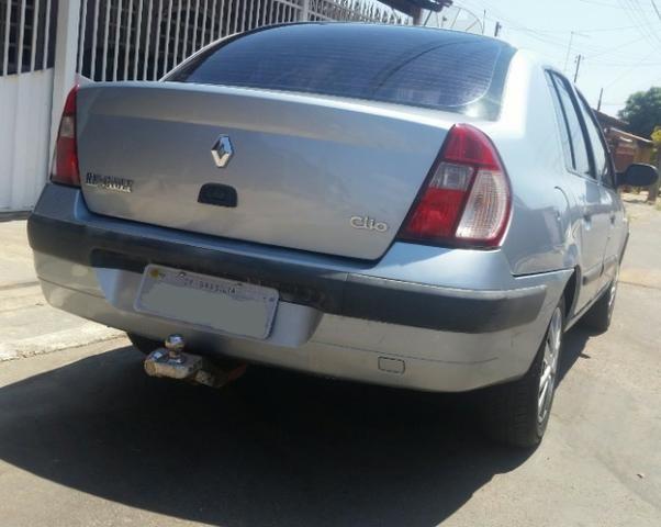 Renalt Clio sedan Vendo ou Troco - Foto 2