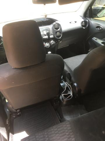 Toyota Etios X Sedan - Foto 5