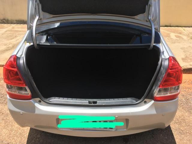 Toyota Etios X Sedan - Foto 2
