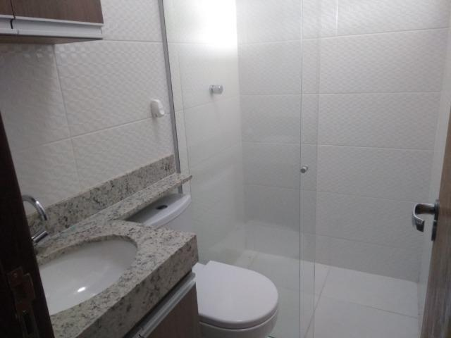 Allmeida vende bela casa com três quartos no Condomínio Mansões Entre Lagos - Foto 11