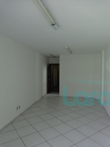 Escritório para alugar com 0 dormitórios em Centro, Macaé cod:1830