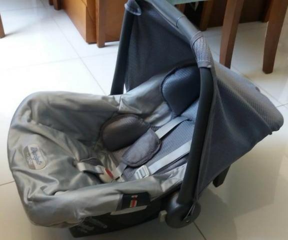 Carrinho, bebe conforto Burigotto e base para auto acoplada