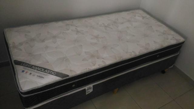 Box + colchão de solteiro Ortobom em ótimo estado