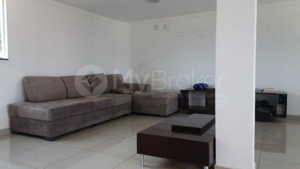 Casa sobrado com 5 quartos na Vila Santa Helena em Goiânia - Foto 4