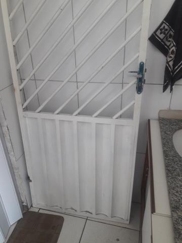 Portão 2.20 x 0.85 600 reais zap * - Foto 2