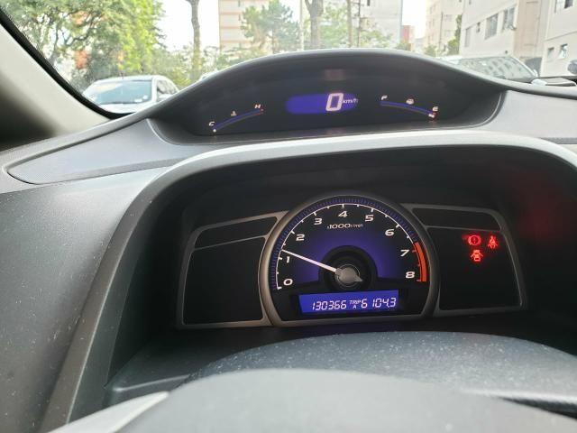 Civic 2011 Cambio Manual, cor cinza carro com 130 mil km