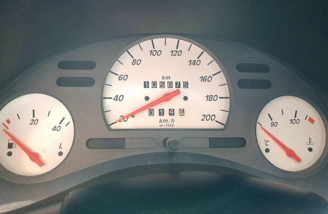 Corsa Sedan 1.0 2000/2001 - Foto 6