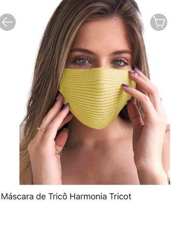 Vendo máscara de Tricô cor amarela
