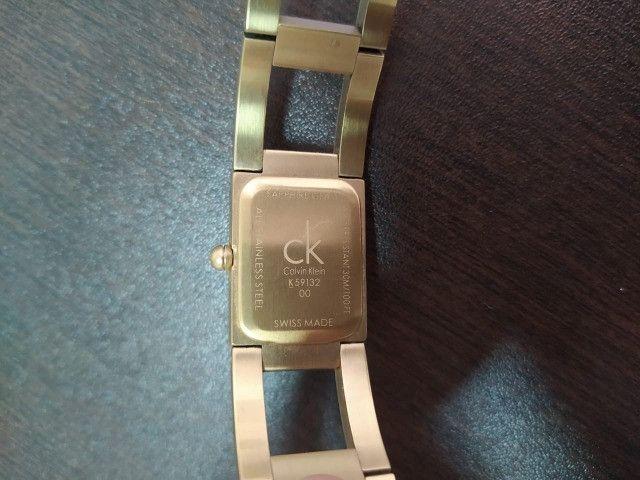 Relógio Calvin Klein Feminino Dourado - Foto 4