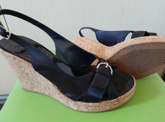 Sandália anabela em cortiça - Foto 2