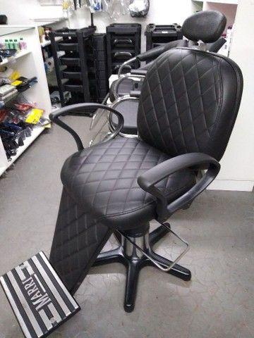 Cadeira para barbeiro reclinável