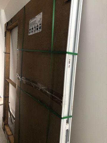 Porta de alumínio marca JAP top de linha - Foto 2