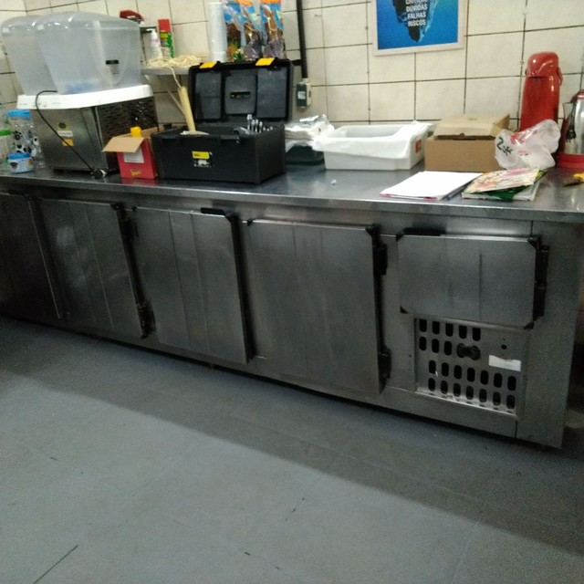 Expositor, Refrigerador, Pia, Coifa, dutos, tudo INOX