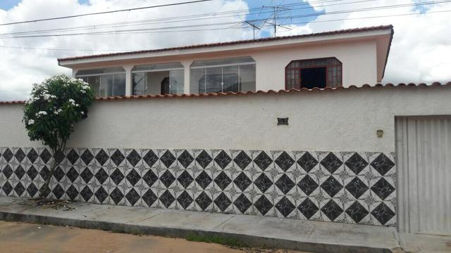 Vd/ tr casa de 4 qts, suíte em lote de 700 mts no Setor de Mansões de Sobradinho