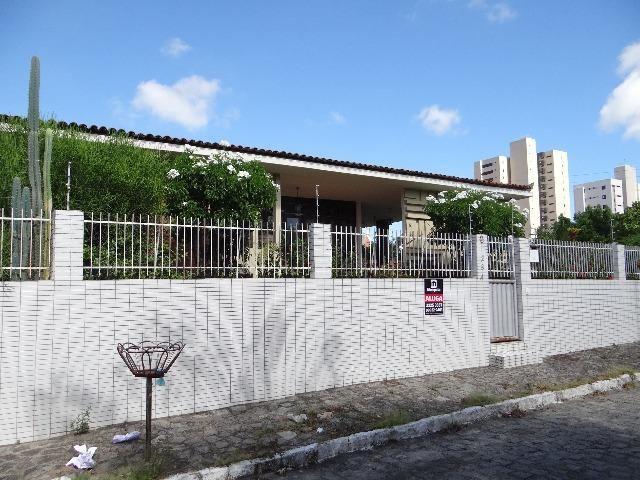 R. 2143 - Casa no Bairro dos Estados 03 Suítes 280m² Excelente localização