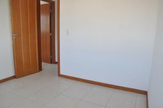 Apto c/ 3 qts/suíte, sala, cozinha, prédio c/ elevador, a 600 metros da praia. - Foto 9