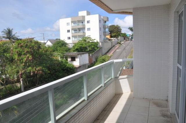 Apto c/ 3 qts/suíte, sala, cozinha, prédio c/ elevador, a 600 metros da praia. - Foto 8