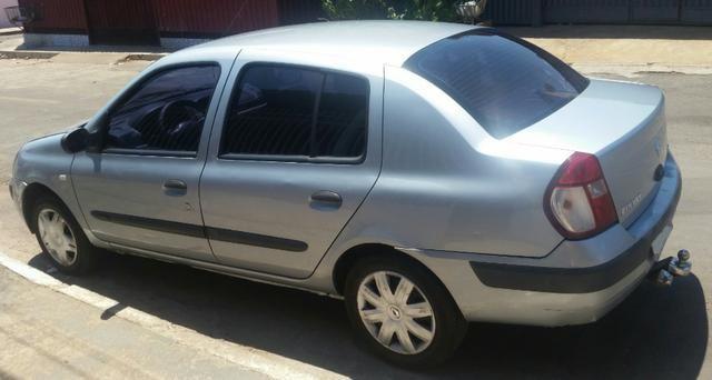 Renalt Clio sedan Vendo ou Troco - Foto 3