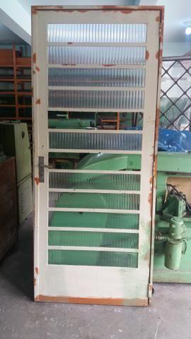 Porta de cozinha de chapa reforçada