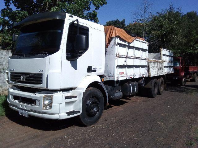 Caminhão VM volvo 260