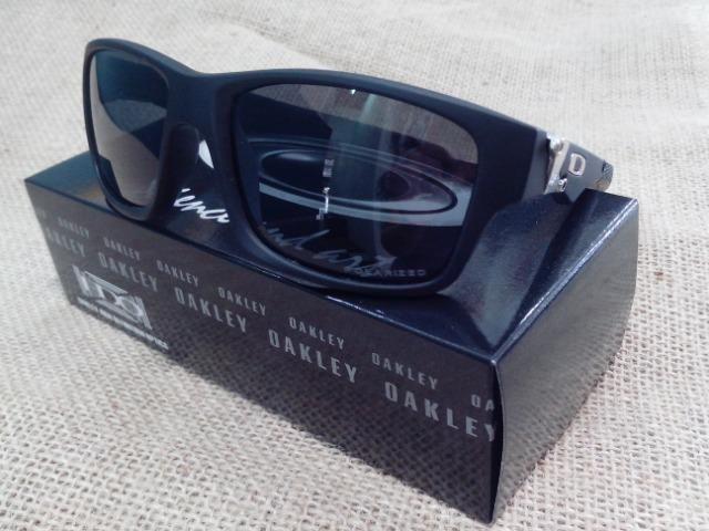 64c339e4b830a Óculos de sol polarizado. Oakley, Ray ban, Armani e outros. Zap 98808