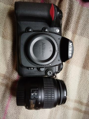 Nikon D200