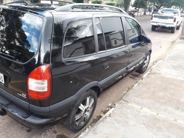 Gm - Chevrolet Zafira 7 lugares