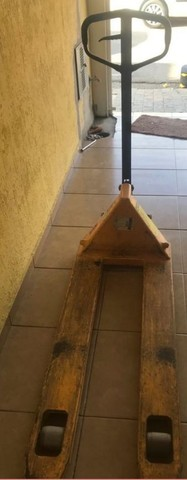 Paleteira Manual (Hidráulica) 2 ton  - Foto 2