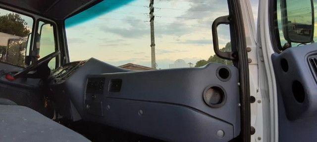 Mercedes Benz Mb 1620 Eletronico Truck 6x2 Com Carroceria 130 MIL - Foto 2