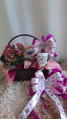 Cesta de café da manhã box de flores e muito mais  - Foto 3