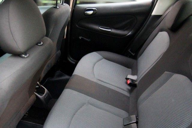 Peugeot 207 1.4 XR / 2012  - Foto 11