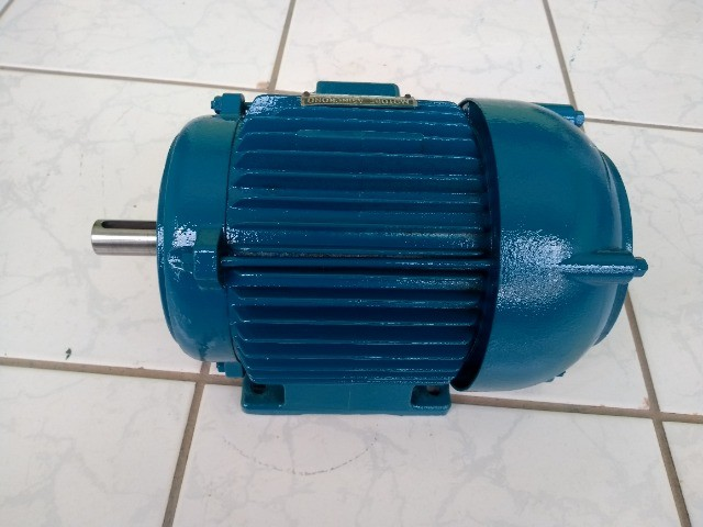 Motor Elétrico  Trifásico 4hp - 2880rpm usado - Foto 4