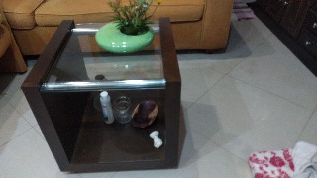 Conjunto de safas e duas mesas de centro. - Foto 3