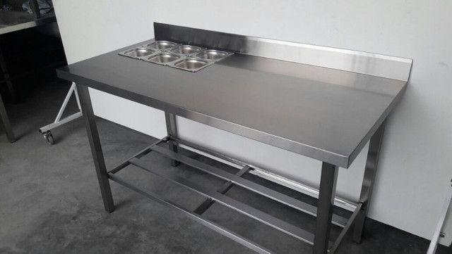 Mesa Inox para cozinha - Com condimentadora embutida - Direto de fábrica - Foto 2