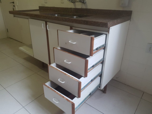 Pedra e armario de cozinha e torneira - Foto 5