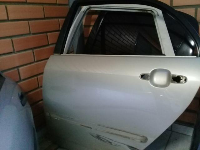 Porta Toyota Corolla traseira esquerda