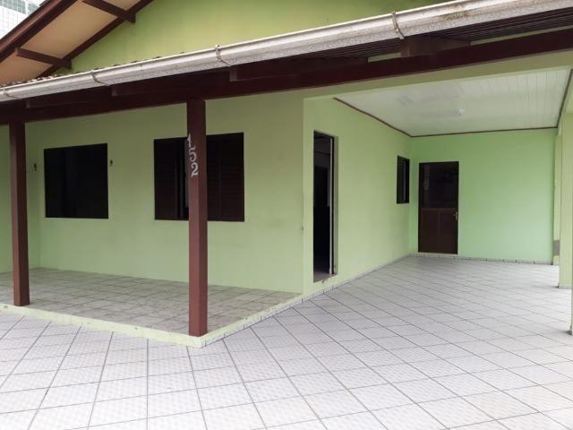 Casa para Temporada a 100 metros da Prainha, em Enseada - SC - Foto 13
