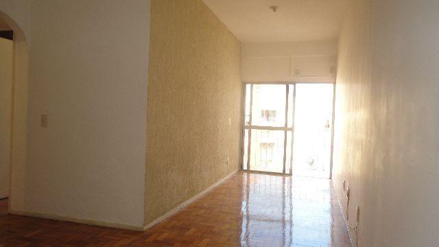 Apartamento quarto e sala, vaga, varanda e dependência